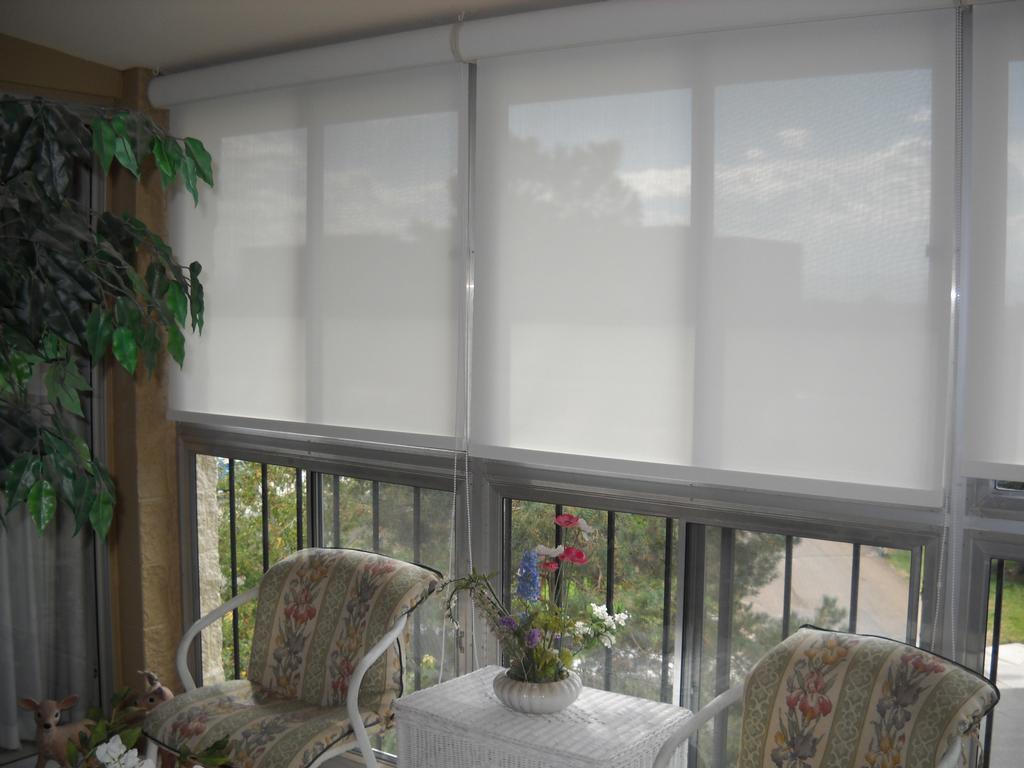 Белая Рулонная штора в санатории