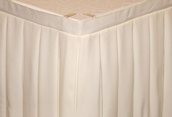 Фуршетная юбка на стол цвет молочный коэффициент складок 1к3 длина 500 см. ткань габардин